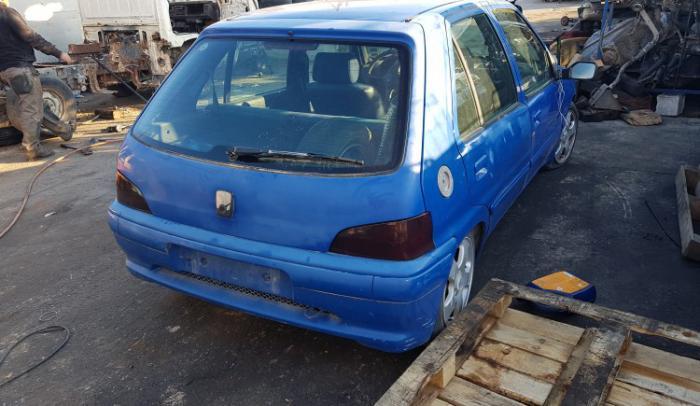 Ολόκληρο αυτοκίνητο για ανταλλακτικά Peugeot-106-97-Cdz......